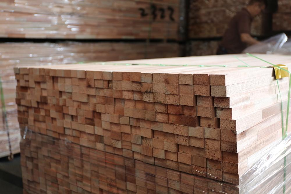 Whats The Difference Between Nyatoh Vs Solid Plywood - Carpentry
