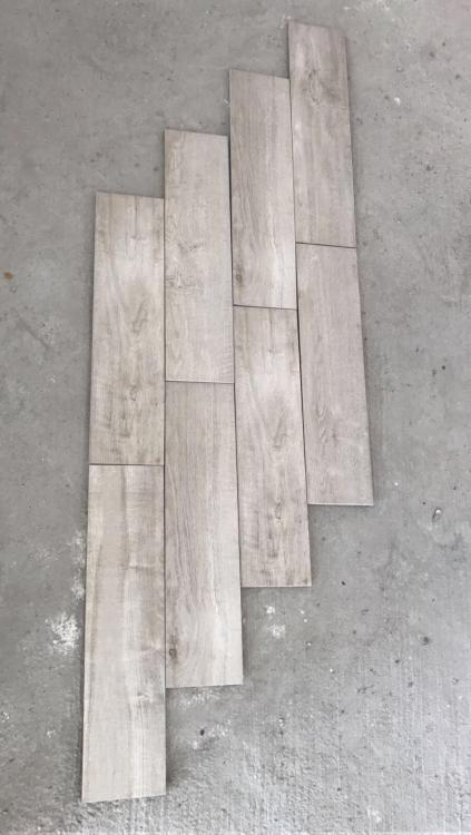 Tiles1.JPG.0afd1668478b27cd9a98348c7aa5005f.JPG