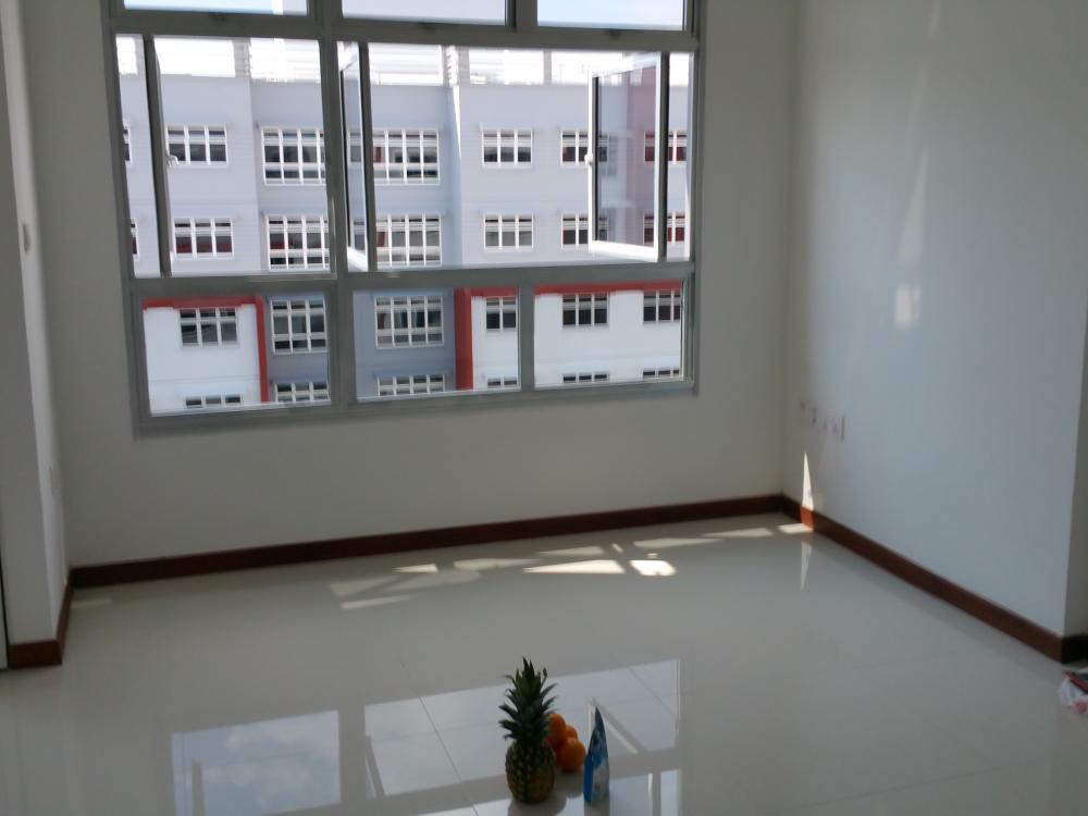 3livingroom.jpg.f2451ad7dae0bcac2a8f35f929b88698.jpg