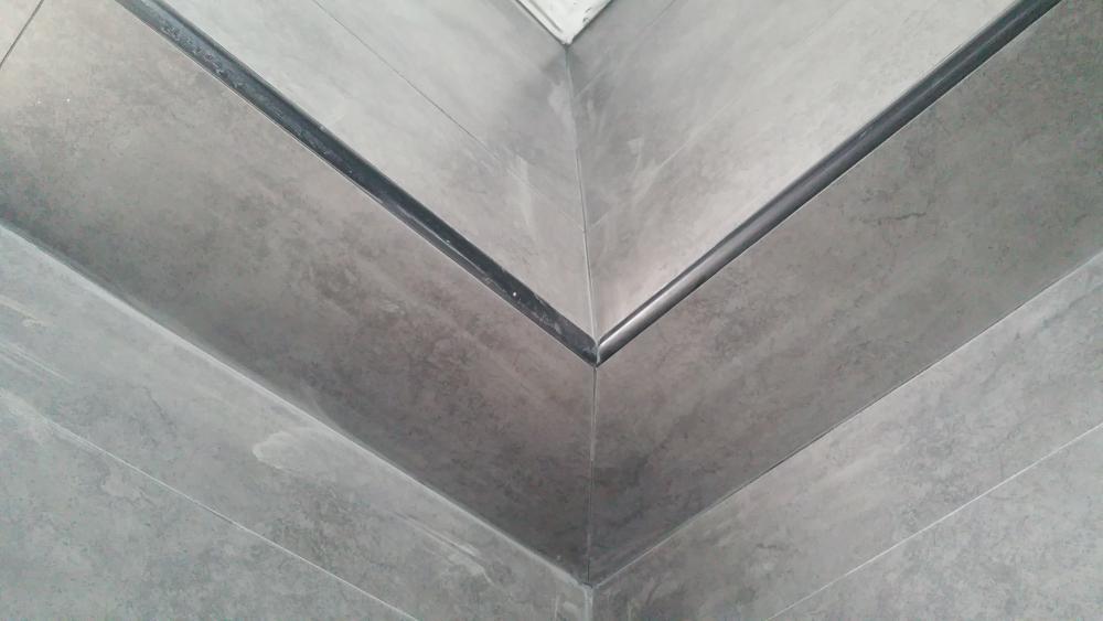 bathroom4.jpg.24f874a3a9912f881568fae2c6ef579e.jpg