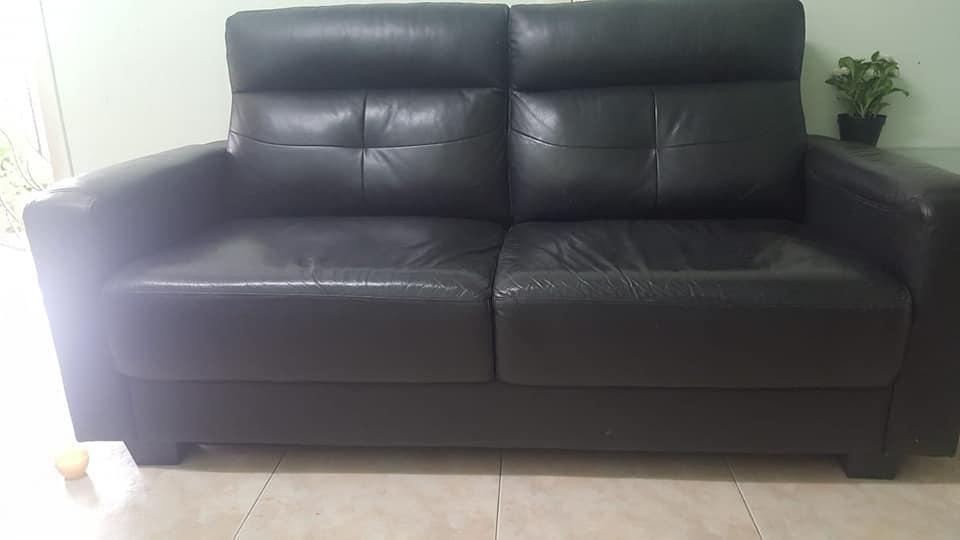 leatherSofa2.jpg
