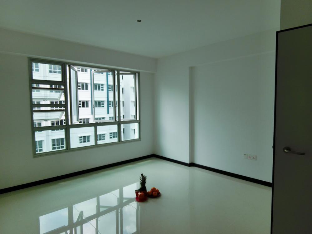 living area3.JPG