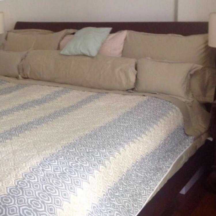 teak bed.jpeg