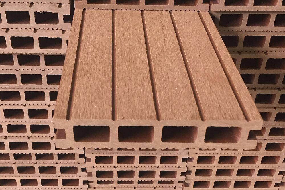 20180712-Fire-Retardant-Principle-of-Plastic-Wood-Products.jpg.ac4d80db79d094221dfe8e93893b5839.jpg