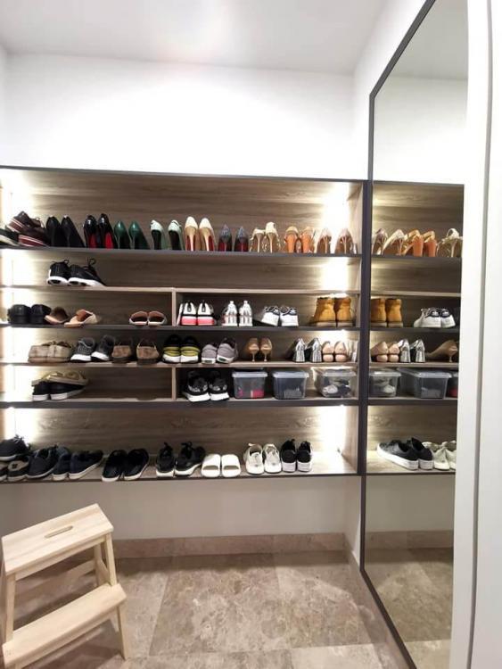 de-space-summerscape-luxury-condominium-shoe-shelves-best-interior-design-johor-bahru.jpg.58438023e6fcd6ded7ff116fb60d6499.jpg