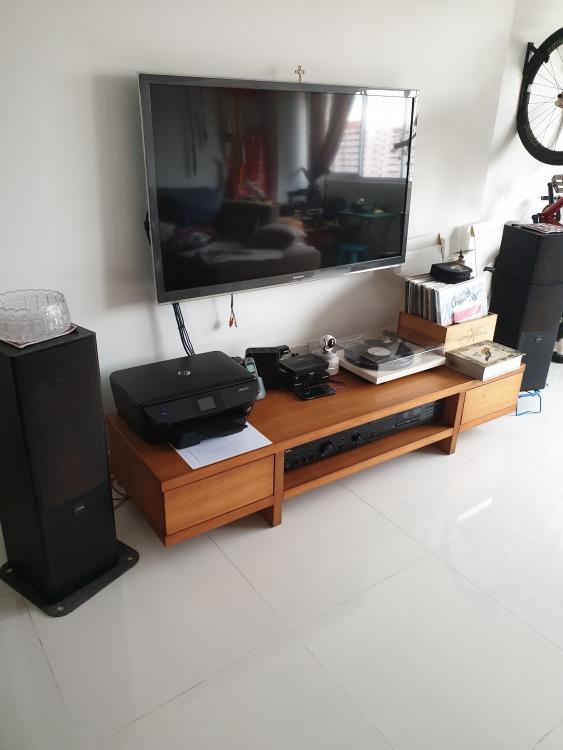 TV_console.jpg