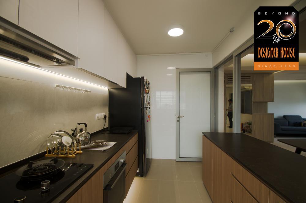 203053480_Kitchen2.jpg.1a6d2c966295e6de187ae8f49213e86d.jpg
