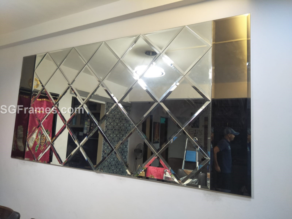 SGFrames.com_Diamond_Mirror_with_Tinted_Mirrors_on_Two_sides.png