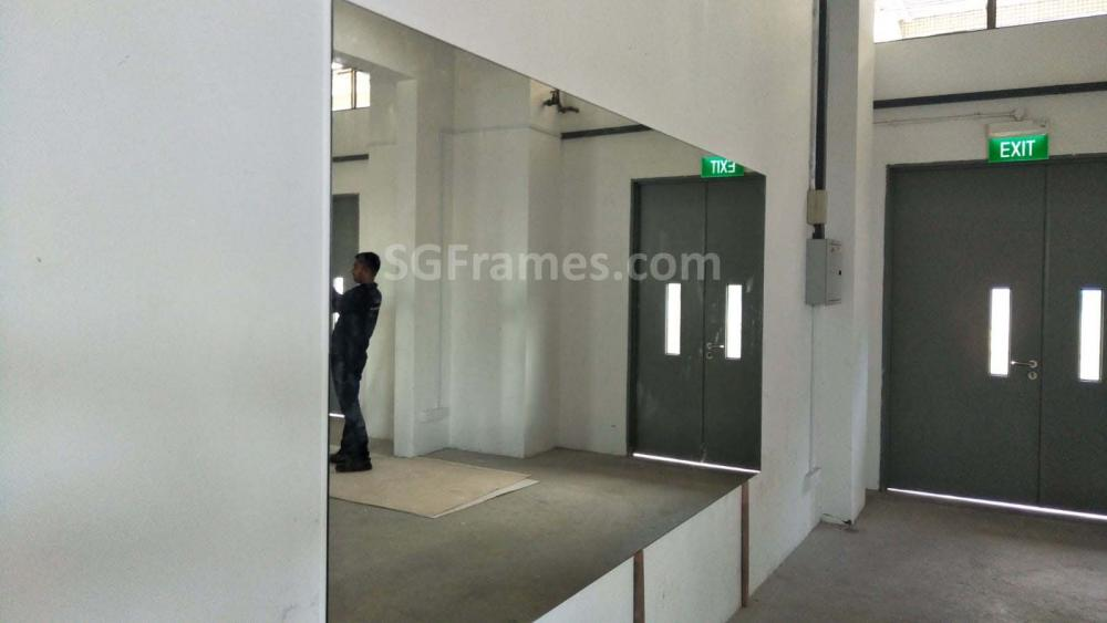 SGFrames.com Frameless Clear Wall Mirror 170520e.jpg