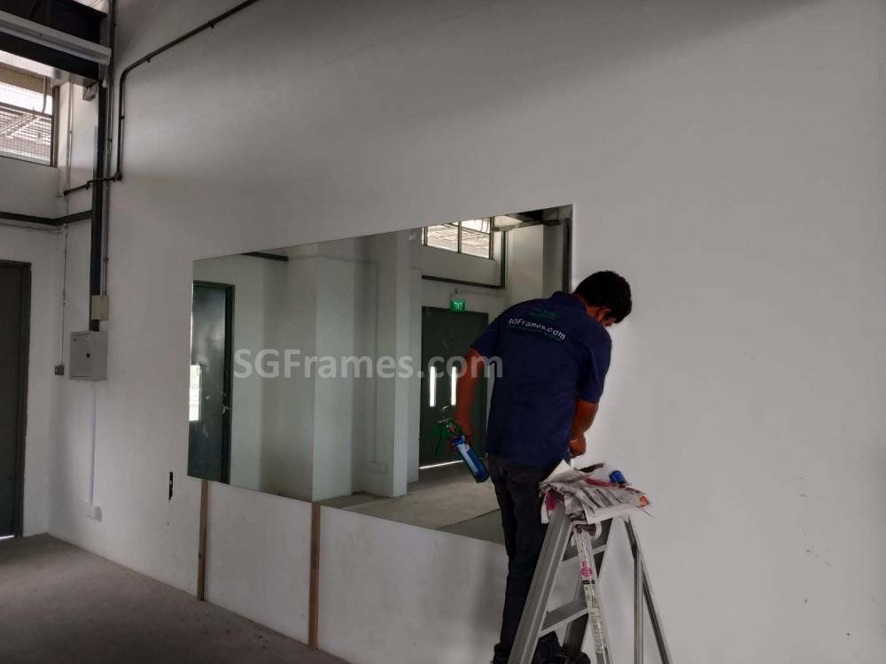 SGFrames.com Frameless Clear Wall Mirror 170520d.jpg