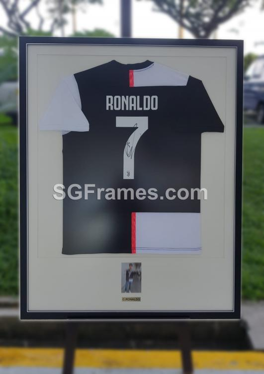 SGFrames.com Jersey Framing Autographed Sports Tshirt 150720b.jpg