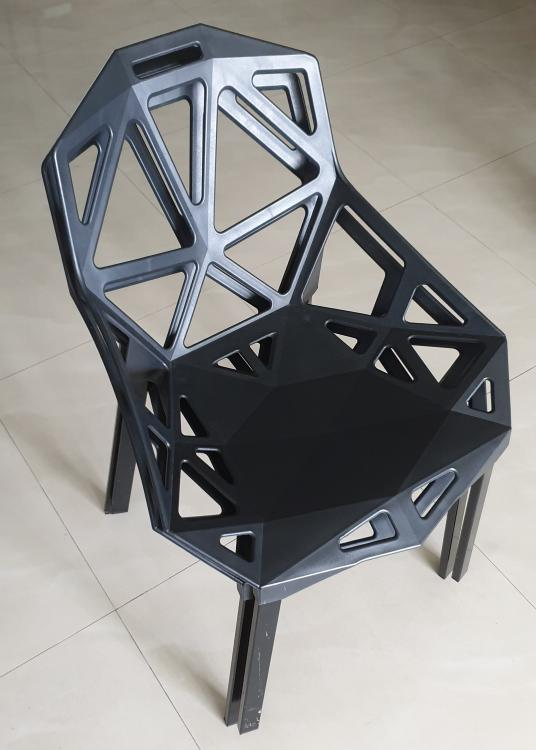 Designer Replica Chair 02.jpg