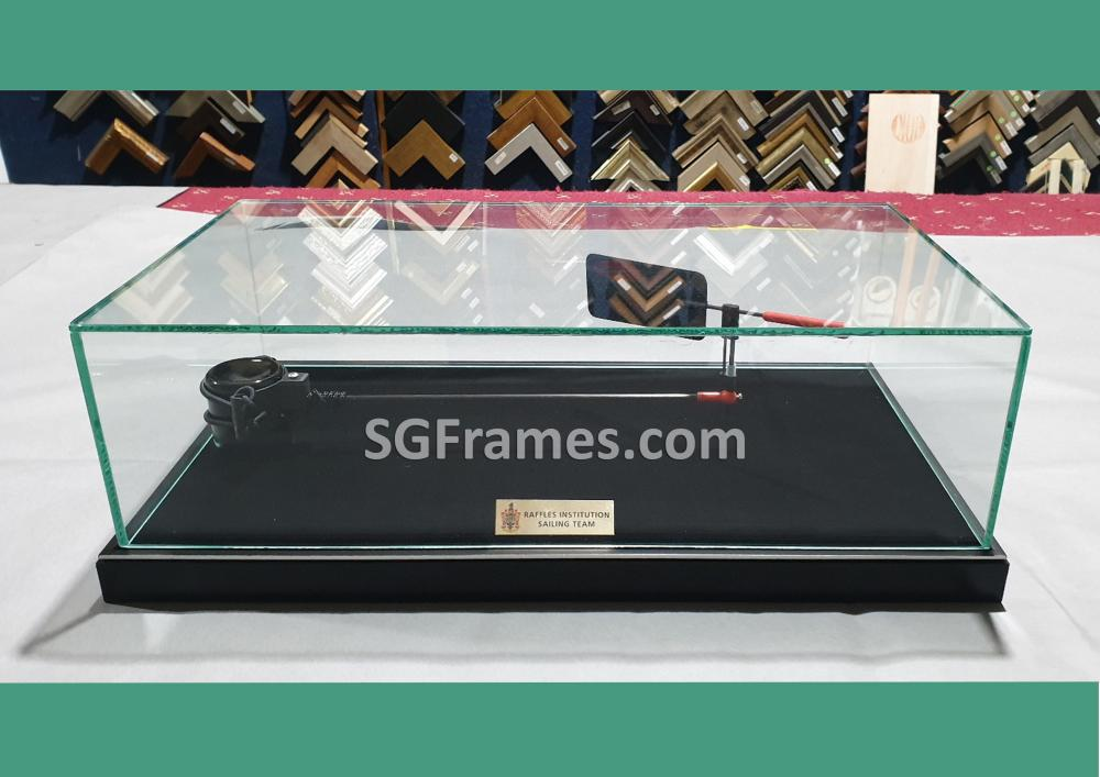 SGFrames.com Glass Box for Display Idols , Small figurines 140820d.jpg