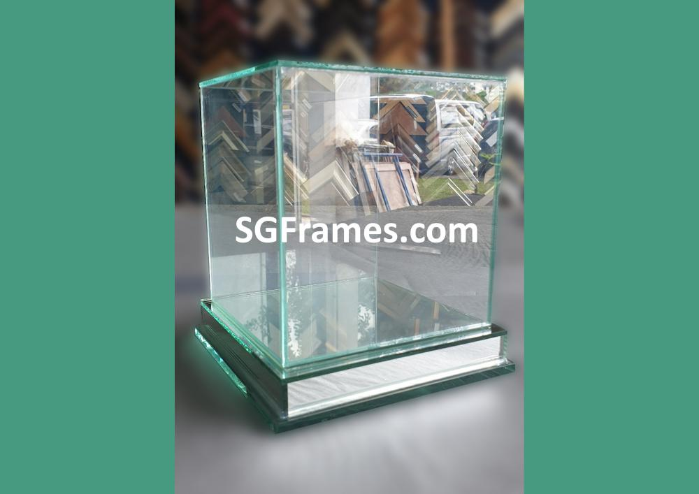SGFrames.com Glass Box for Display Idols , Small figurines 140820c.jpg