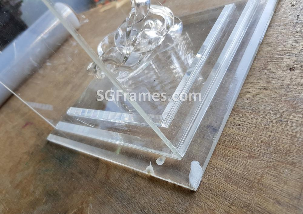 SGFrames.com Glass Acrylic Box for Display Idols Small figurines 140820b2.jpg