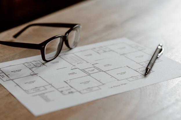 glasses on floorplan